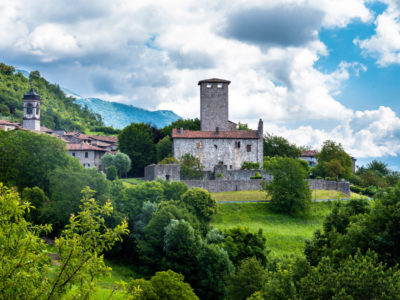 Castle Suardi and the Mediaeval Hamlet